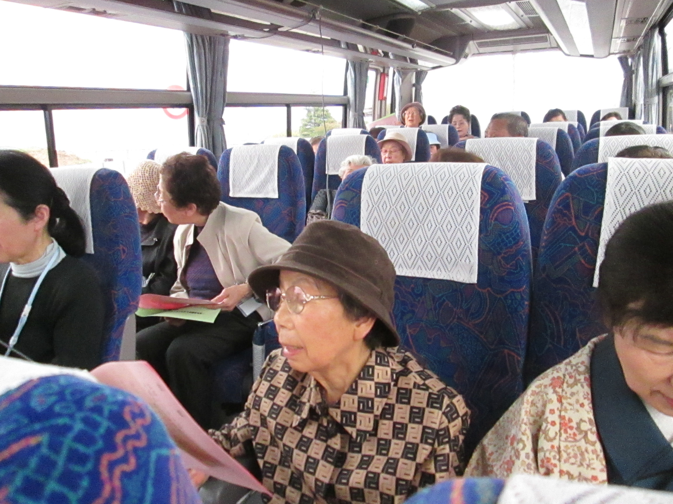 交流会バス.JPG